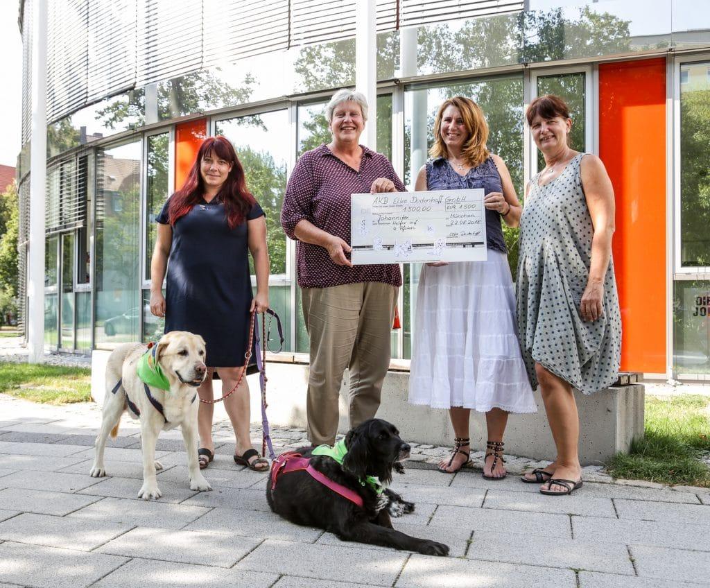 Spenden für den Hundebesuchsdienst der Johanniter